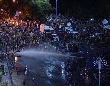 Au inceput audierile in dosarul despre agresiunile jandarmilor din Piata Victoriei....