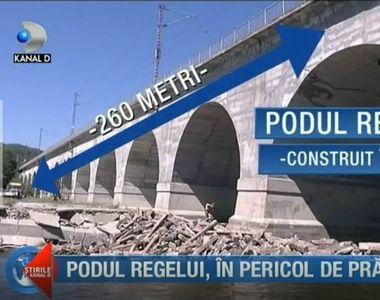 Pericol urias! Un pod din Prahova, construit pe vremea domniei lui Carol, la un pas sa...
