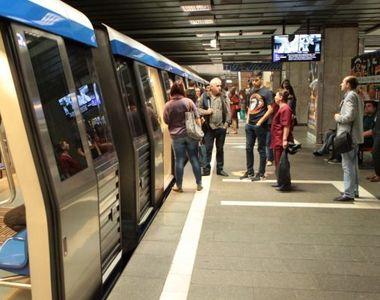 Incident la metrou! Un tren a fost oprit in statia Unirii 2 si toti calatorii au fost...