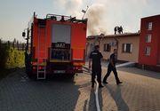 Incendiu la Arad! Pacientii unui centru de recuperare au fost evacuati dupa ce acoperisul cladirii a luat foc!