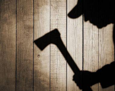 Incident socant in Gorj! Un barbat de 45 de ani i-a crapat capul fiului sau cu un topor!