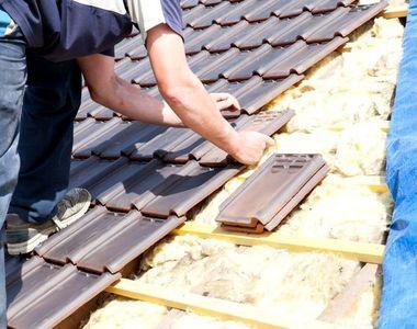 Un barbat din Strehaia a facut o descoperire socanta in timp ce-si renova acoperisul...
