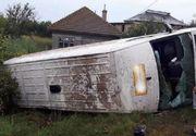 Accident cumplit in judetul Olt! A fost implicat un microbuz in care se aflau sase persoane. O femeie a murit