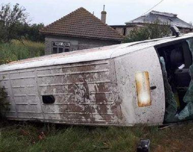 Accident cumplit in judetul Olt! A fost implicat un microbuz in care se aflau sase...