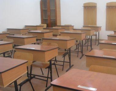 Scoli cu portile inchise, elevii vor face naveta! Mai multe scoli au nevoie de renovare