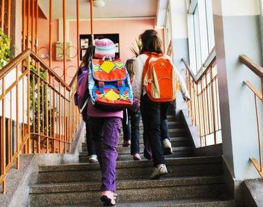 A inceput scoala, dar avem din ce in ce mai putini elevi. Romania devine o tara tot mai...