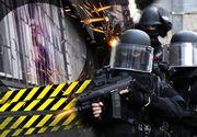 Panica la Chisinau! Patru persoane au fost luate ostatice intr-un apartament! Politia a intervenit in forta, suspectul a fost impuscat mortal