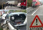 Impact devastator intre o masina si un TIR! O femeie de 33 de ani, din Baile Herculane, a murit pe loc. Femeia era atenta la telefon