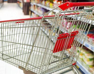 Un paznic de la un supermarket din Capitala a gasit un plic cu peste 33.000 de euro...