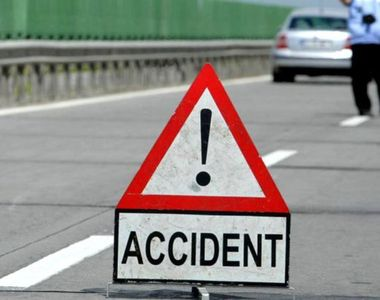 Un mort si un ranit dupa ce un autoturism s-a ciocnit cu un autocar, in Ialomita....