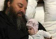 Preotul care infiaza copii bolnavi! Are grija de 400 de copii, iar cea mai mica fetita a lui s-a nascut fara maini! Povestea impresionanta a parintelui Mihail Jar