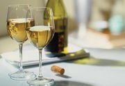 Beneficiile consumului de vin alb. Ce scoate la iveala un studiu facut de italieni