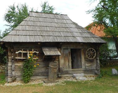 """Casa de la Hobiţa a lui Constantin Brâncuşi s-a dărâmat! """"Construcţia era o..."""