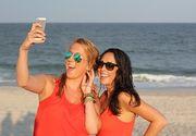 """Inventatorul """"Selfie""""-ului are o viaţă ce bate filmul. Lucruri pe care nu le ştiai despre cel care e mereu """"prezent"""" în viaţa ta"""