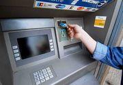 Furau ca-n codru din conturile românilor. Doi tineri au fost prinşi în timp ce păcăleau sistemele de siguranţă ale bancomatelor