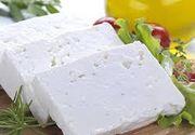 Brânza telemea, considerată un deliciu românesc, pierde teren în fata brânzeturilor din import