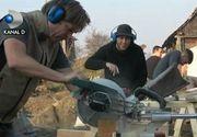 Străinii vin în România şi muncesc în locul nostru. Activităţi de voluntariat pentru refacerea atelierelor de odinioară
