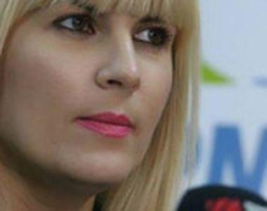 Berlusconi i-a făcut propuneri indecente Elenei Udrea în timpul unei vizite oficiale!...