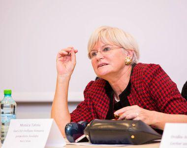 Monica Tatoiu a făcut-o praf pe Carmen Iohannis pentru ţinuta transparentă de la...