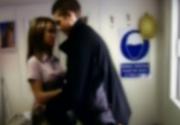 Elevi surprinşi în timp ce întreţineau relaţii sexuale în toaleta şcolii. Cum s-au pregătit cei doi pentru partida de amor e demn de filmele pentru adulţi