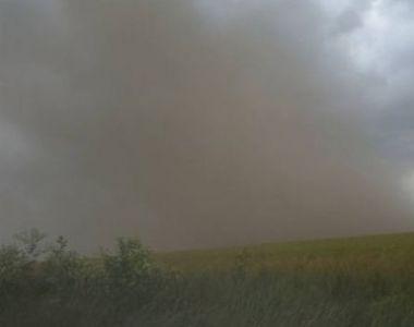 Situaţie dramatică pentru locuitorii din Dolj! Vântul puternic de ieri i-a îngropat din...