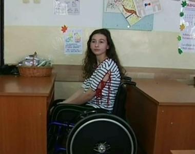 Serena este ţintuită într-un scaun cu roţile şi are nevoie de bani pentru injecţii cu...
