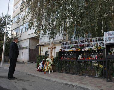 Klaus Iohannis a depus o coroană de flori la Clubul Colectiv