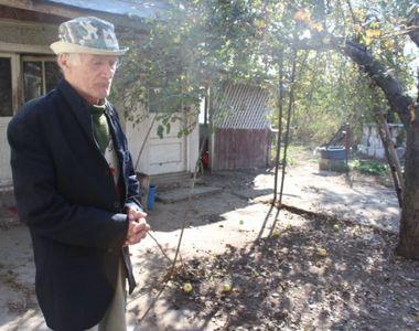 """Drama unui bătrân din Vrancea: """"Am vrut să mă sinucid! Nu mai suport să stau aici..."""