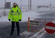 INFOTRAFIC. Drumuri închise din cauza zăpezii. Frigul loveşte România. Atenţie când plecaţi la drum