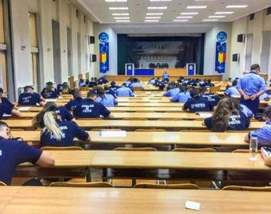 Un profesor de la Academia de Poliţie le-a oferit studenţilor subiectele de licenţă cu...