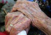 Bătrână de 87 de ani, tâlhărită şi bătută cu bestialitate! I-a furat până şi proteza din gură