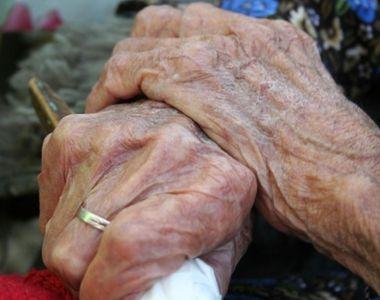 Bătrână de 87 de ani, tâlhărită şi bătută cu bestialitate! I-a furat până şi proteza...