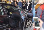 Incident şocant în Brăila! Un tânăr drogat a intrat intenţionat cu maşina în mall, accidentând mai multe persoane