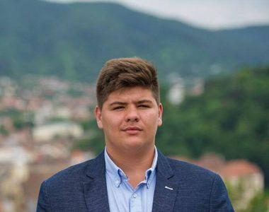 Ce familie frumoasă avea Bogdan, tânărul de 17 ani din Braşov care s-a împuşcat cu arma...