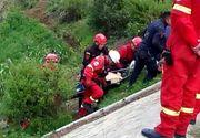 Şapte morţi şi 12 răniţi după ce un autocar plin cu fotbalişti juniori s-a răsturnat într-o prăpastie