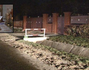 Un preot din Suceava s-a urcat băut la volan şi a accidentat două femei, apoi a fugit...