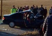 Accident cumplit în Dolj! Două persoane au murit după ce un bărbat a intrat cu maşina într-un copac