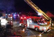 Incendiu puternic la o fabrică de mobilă din Târgovişte! Focul se manifestă pe o suprafaţă de un hectar