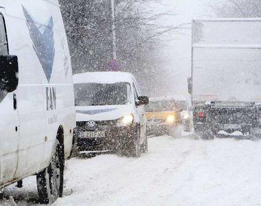 Haosul a domnit în Capitală după o noapte întreagă de ninsoare! Primăria a găsit rapid...