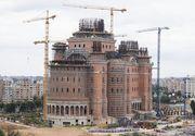 """Peste 100 de milioane de euro a """"înghiţit"""" până acum Catedrala Mântuirii Neamului şi tot nu e gata. Paradoxal,  Primăria Capitalei a anunţat că va mai da 10 milioane de lei"""