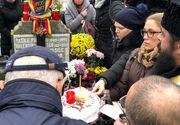 Parastas la mormântul Stelei Popescu! Alexandru Arşinel şi colegii de la teatru au împărţit colaci!