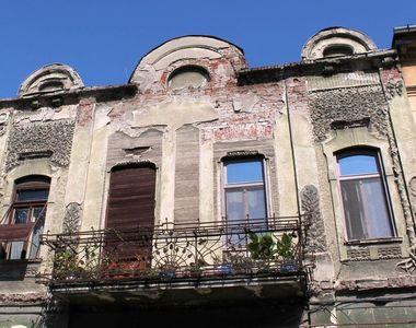"""Primăria Arad va aplica """"taxă de paragină"""" pentru 210 clădiri istorice degradate, ai..."""