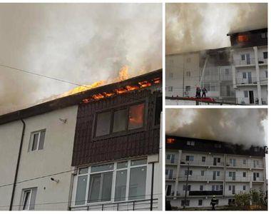 Incendiu la Chiajna! Mansarda a două blocuri învecinate a fost cuprinsă de flăcări