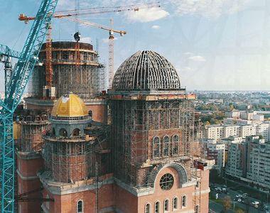 Constructorul Catedralei Mântuirii Neamului, amendat de ISU. Lăcaşul de cult încalcă...