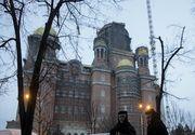 Panică la slujba de la Catedrala Mântuirii Neamului! Peste 60 de persoane au avut nevoie de asistenţă medicală