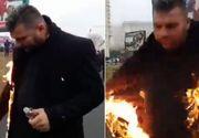 Cine este preotul care şi-a dat foc în faţa Catedralei Mântuirii Neamului. Primele declaraţii despre gestul extrem
