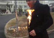 Imagini cutremurătoare de la accidentul în care a fost implicat preotul care şi-a dat foc în faţa Catedralei Neamului! Cum arată maşina în care a murit un om