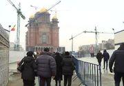 Rabdare si pastile, reteta succesului pentru batranii care asteapta sa intre in Catedrala Neamului! Cum arata cozile in a treia zi de la sfintire
