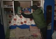 Aici locuiau cele cinci fetiţe din Dâmboviţa care s-au intoxicat cu pastile! Locuinţa arată deplorabil, dar autorităţile spun că micuţele erau îngrijite impecabili! Imagini greu de privit