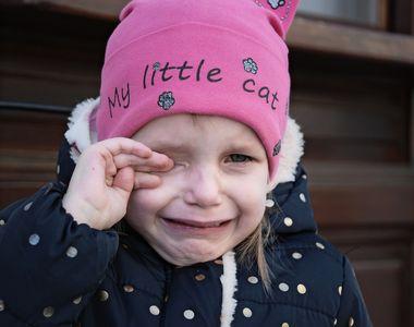 Revoltător! O fetiţă de patru ani din Buzău, dată afară de la serbarea de la grădiniţă...